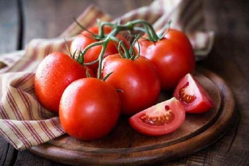 Cà chua được nhiều chị em tin tưởng sử dụng tại nhà