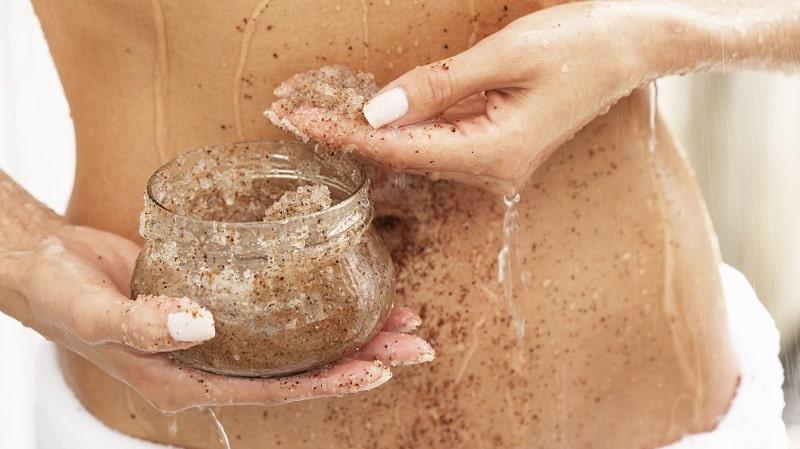 Bã cà phê có thể trị rạn da sau sinh tại nhà đơn giản