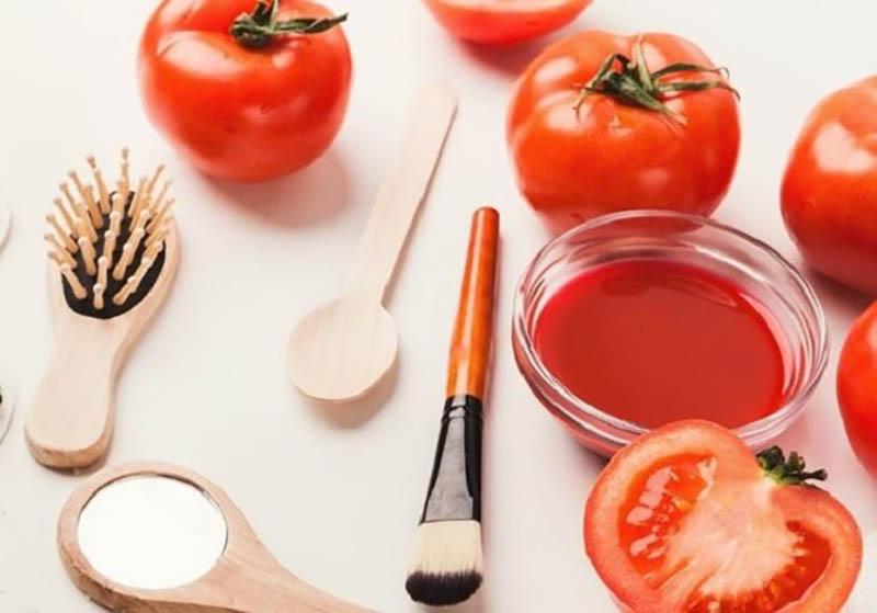 Cà chua không chỉ giúp trị sẹo mà còn mang lại công dụng dưỡng ẩm, làm trắng da hiệu quả
