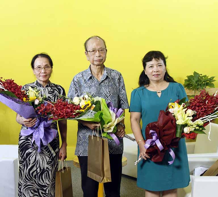 Bác sĩ Lê Phương trong buổi tọa đàm cùng PGS.TS Nguyễn Nhược Kim