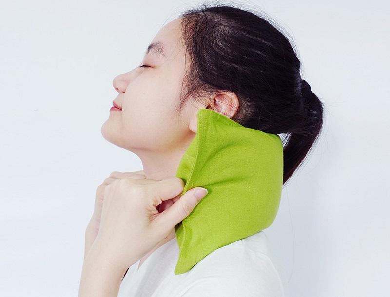 Massage, chườm nóng sẽ giúp tan hạch nhanh