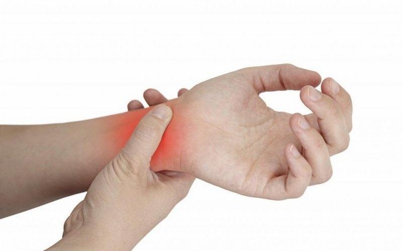 Khớp cổ tay bị tràn dịch không được điều trị kịp thời có thể gây biến chứng nguy hiểm