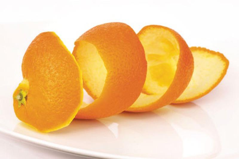 Vỏ cam cũng là một nguyên liệu chữa hôi nách hiệu quả, người bệnh nên tham khảo và thực hiện