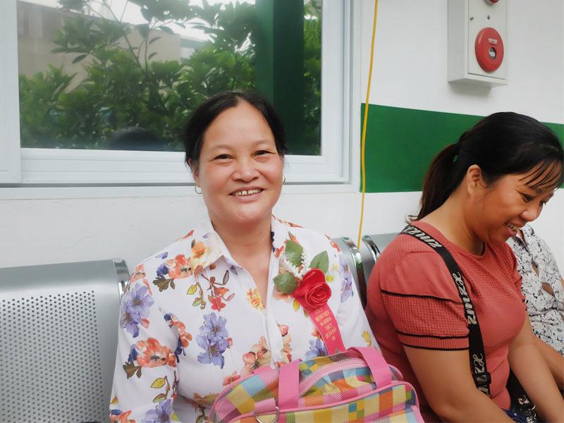 Cô Lê Thúy Nga một trong những bệnh nhân chữa viêm khớp tại bệnh viện Quân dân 102