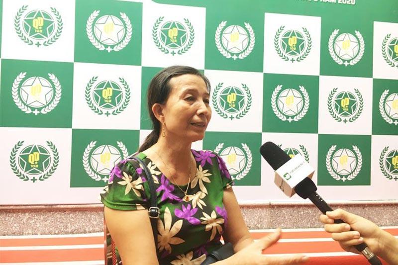 Cô Hoàng Thị Hường bệnh nhân viêm đa khớp của bệnh viện Xương khớp Quân dân 102