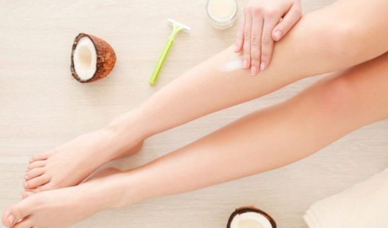 Dầu dừa giúp giảm thâm và mềm da