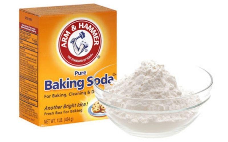 Baking soda kết hợp với kem đánh răng tạo nên hỗn hợp kháng khuẩn rất tốt
