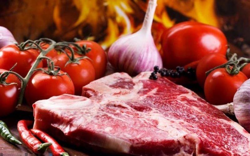 Thịt đỏ là một loại protein tốt nhưng không phù hợp với bệnh nhân u xơ cổ tử cung