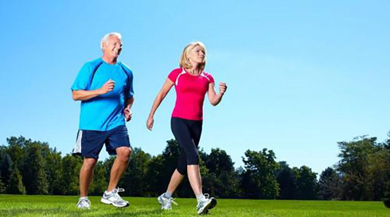 Một trong các bài tập chữa tiểu đường quen thuộc và đơn giản là đi bộ