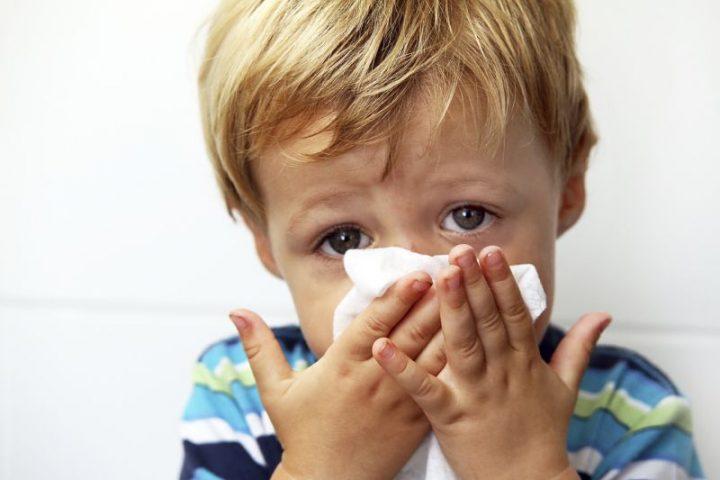 Ho, sổ mũi ở trẻ sẽ khiến trẻ biếng ăn, mất ngủ