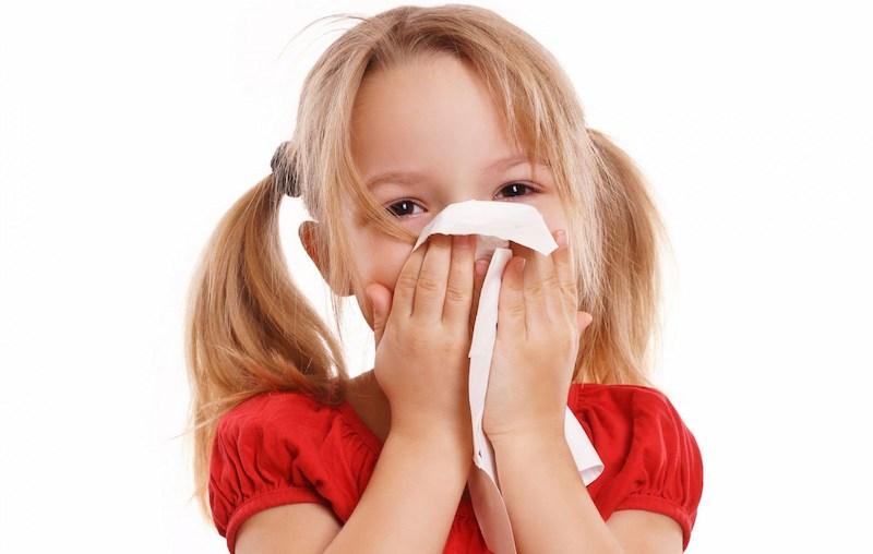 Chấn thương, va đập là một trong những nguyên nhân gây chảy máu cam ở trẻ nhỏ