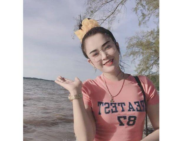 Cô gái trẻ Phạm Huyền Ngân mắc viêm âm đạo do áp lực công việc văn phòng