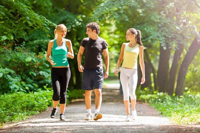Thói quen đi bộ giúp bạn kiểm soát tốt lượng đường huyết mỗi ngày