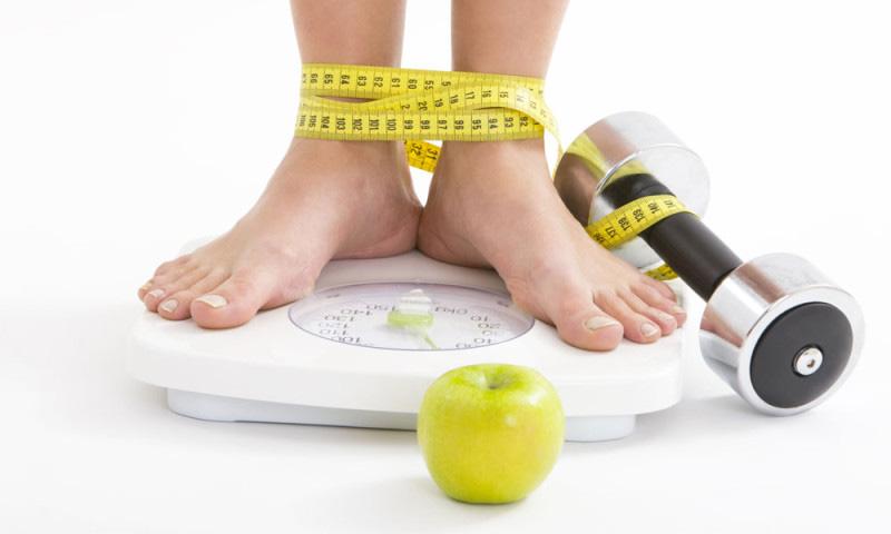 Kiểm soát tốt lượng calo mỗi ngày cũng là cách để bạn giữ được mức cân nặng hợp lý
