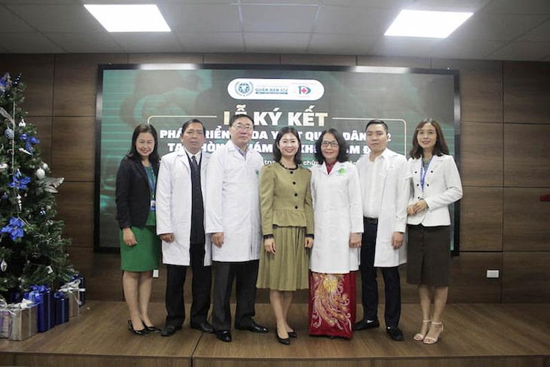 Lễ ký kết còn có sự tham gia của đội ngũ y bác sĩ giỏi, giàu kinh nghiệm trong lĩnh vực y học cổ truyền