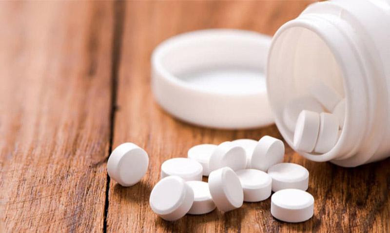 Khi sử dụng thuốc người bệnh cần tuân thủ theo đúng hướng dẫn của chuyên gia