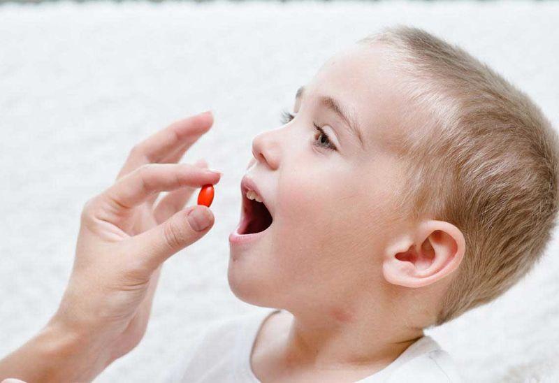 Phụ huynh có thể sử dụng thuốc Tây y chữa bệnh cho bé