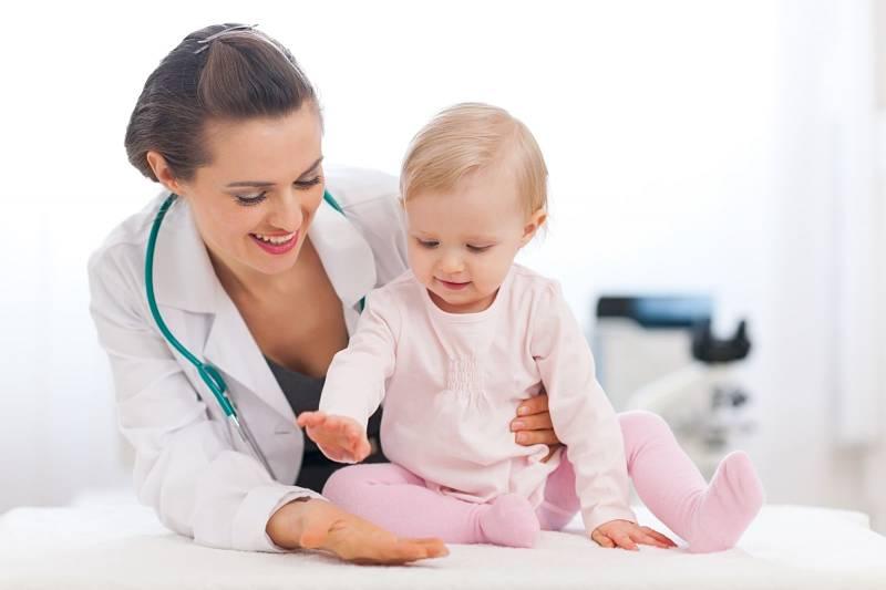 Bố mẹ nên đưa trẻ đến cơ sở y tế chuyên khoa để điều trị bệnh
