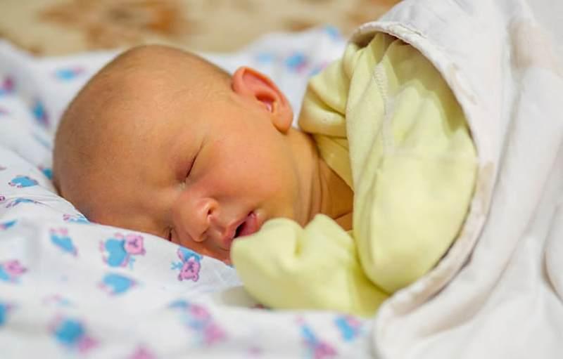 Vàng da ở trẻ sơ sinh do bệnh lý là tình trạng nguy hiểm