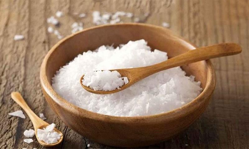Súc miệng bằng muối là cách trị ho cho người lớn hiệu quả nhất