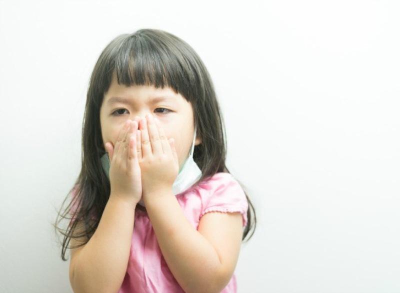 Bố mẹ nên cho bé uống thuốc theo đúng chỉ định của bác sĩ