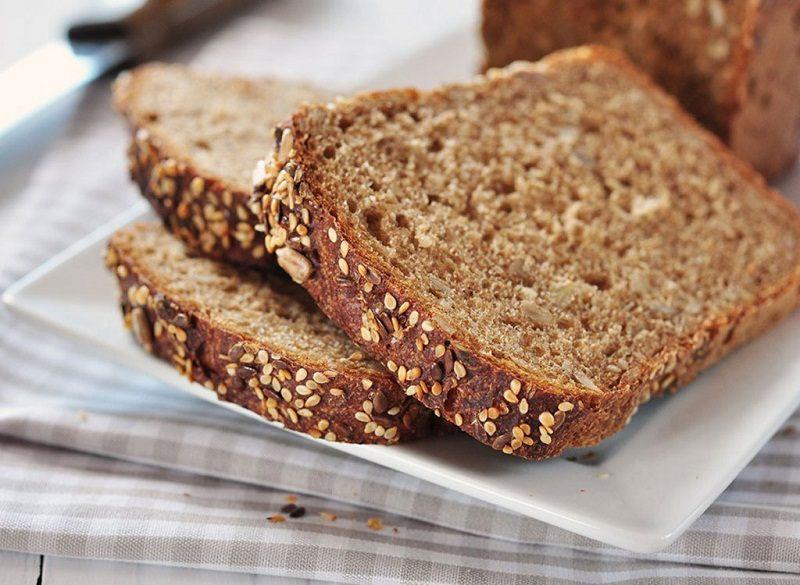 Bánh mì nguyên hạt là loại bánh mì giúp kiểm soát lượng đường huyết hiệu quả