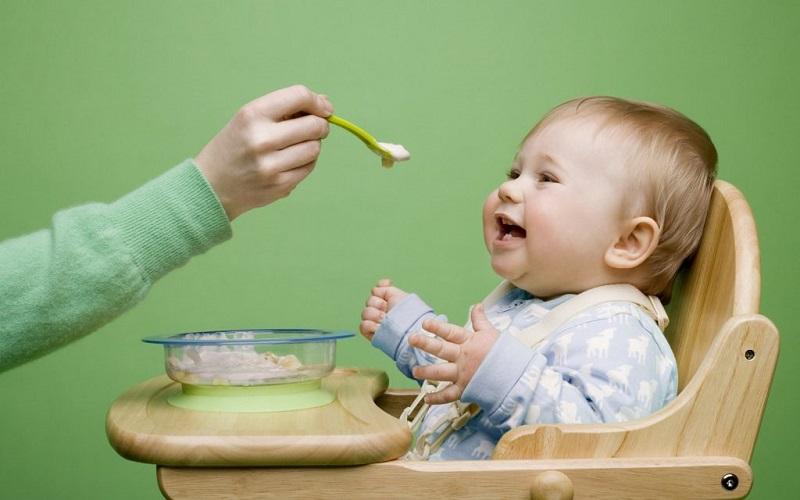 Mẹ không nên lạm dụng cho bé dùng quá nhiều lươn