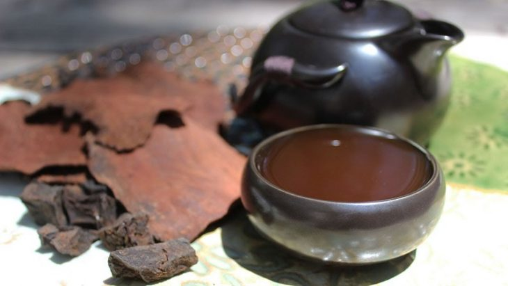 Hà thủ ô sau khi tán thành bột có thể đem hòa nước nóng và uống