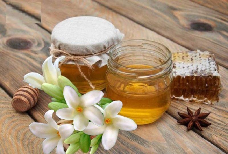 Mật ong kết hợp hoa đu đủ đực là bài thuốc trị ho dân gian được nhiều người đánh giá hiệu quả cao