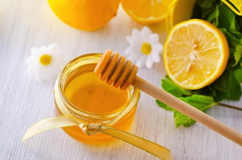 Kết hợp mật ong và quất giúp giảm đau rát họng do ho có đờm