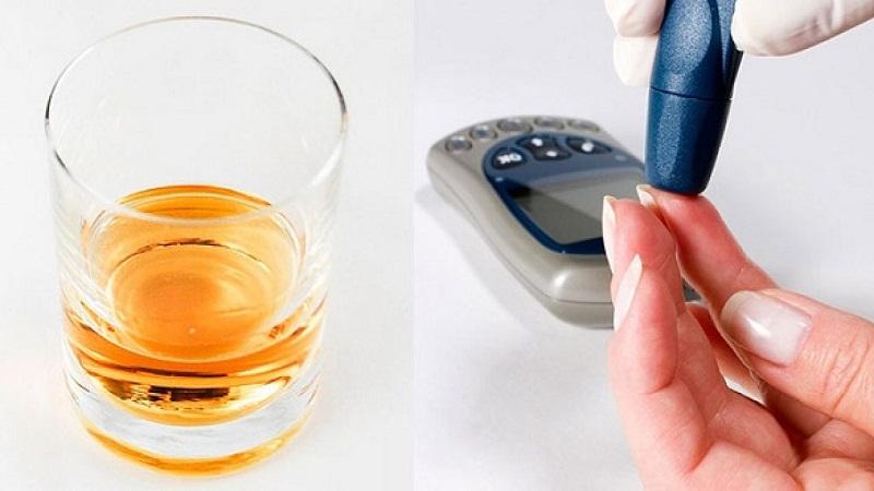 Người bệnh cần phải đo lượng đường huyết trước và sau khi sử dụng rượu bia