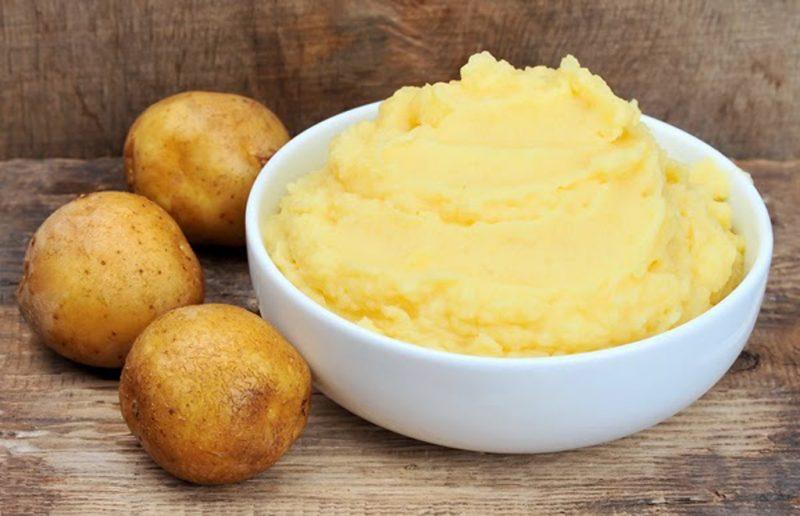 Khoai tây cũng là nguyên liệu giúp loại bỏ hiệu quả các nốt sẹo lồi