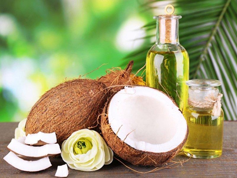 Tinh dầu dừa có tác dụng làm mềm da, lấp đầy lỗ sẹo