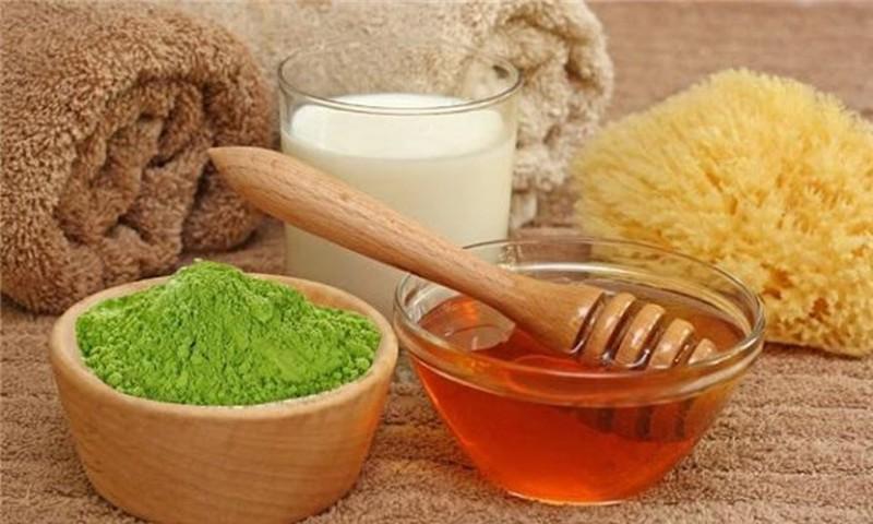 Kết hợp trà xanh và mật ong đem lại hiệu quả loại bỏ sẹo lõm cao