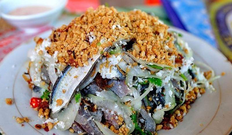 Gỏi cá trích - Món ăn vô cùng quen thuộc