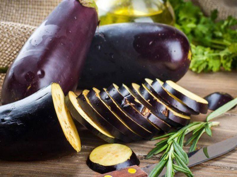 Để giảm thiểu lượng đường trong máu, bạn có thể bổ sung cà tím