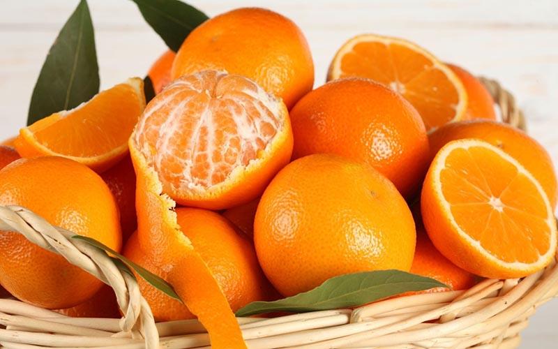 Người bệnh được khuyến khích ăn trực tiếp cam và chỉ uống 1 - 2 cốc nước cam nhỏ mỗi ngày