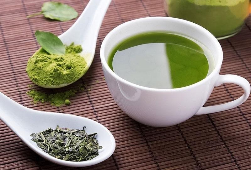 Theo các nghiên cứu gần đây, trà xanh có chứa epigallocatechin gallate