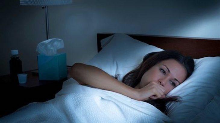 Ho khan về đêm gây cho người bệnh cảm giác khó chịu, mất ngủ, suy nhược cơ thể,...