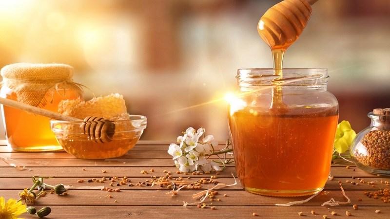 Mật ong mang lại nhiều lợi ích tốt cho sức khỏe, giúp điều trị các loại bệnh khác nhau