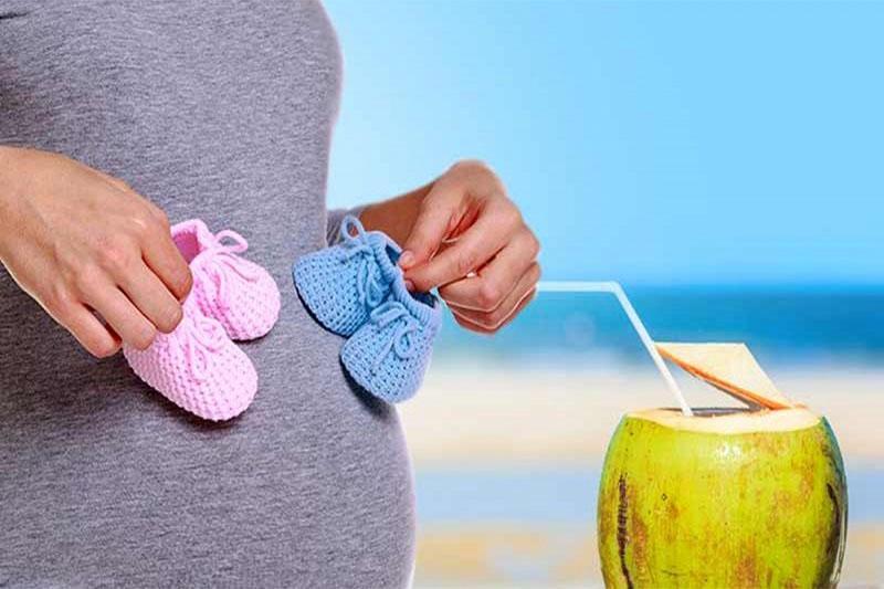 Mẹ bầu có thể uống nước dừa nhưng cần uống đúng cách