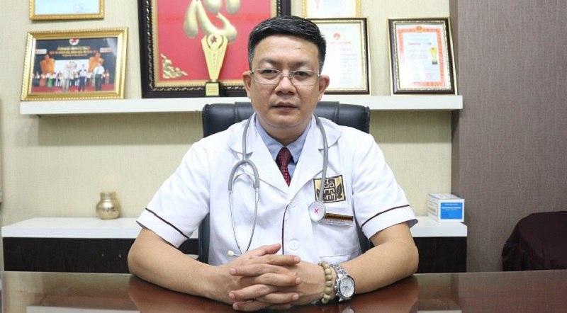 Lương y, bác sĩ Đỗ Minh Tuấn của nhà thuốc Đỗ Minh Đường