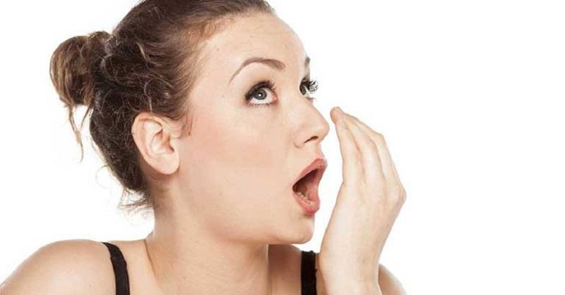 Khi cảm thấy hơi thở có mùi nên tới cơ sở nha khoa để thăm khám và điều trị